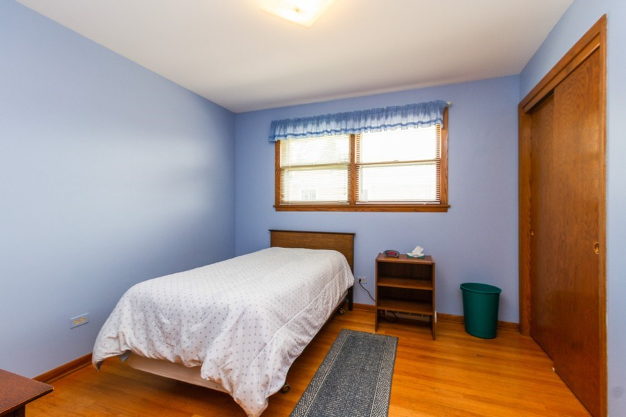 Real Estate Photography - 6241 W. 92nd Place, Oak Lawn, IL, 60453 - Bedroom