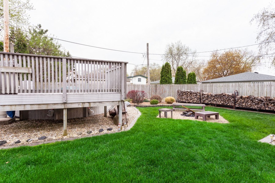 Real Estate Photography - 4527 W. Howdy Lane, Alsip, IL, 60803 - Back Yard