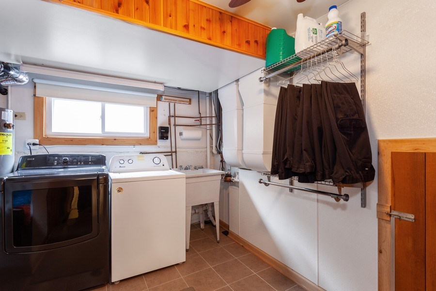Real Estate Photography - 4527 W. Howdy Lane, Alsip, IL, 60803 - Laundry Room