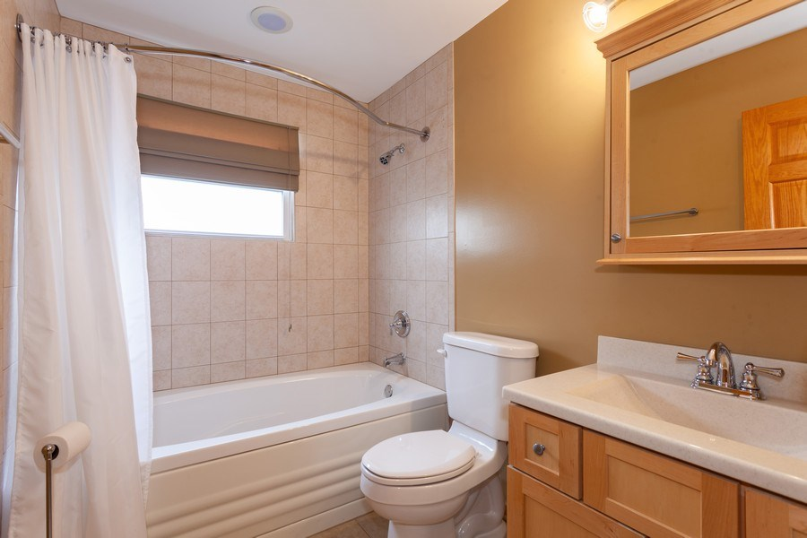 Real Estate Photography - 4527 W. Howdy Lane, Alsip, IL, 60803 - 2nd Bathroom