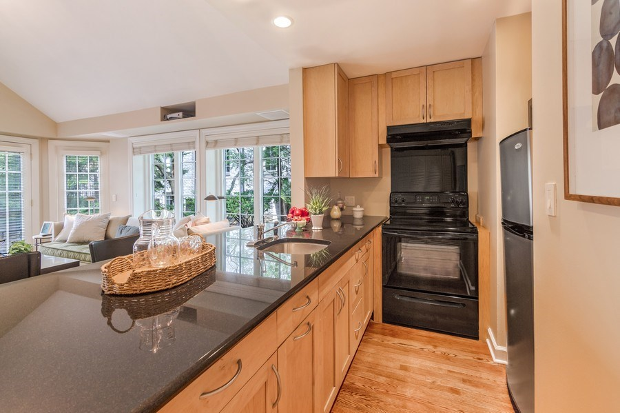 Real Estate Photography - 515 Greenleaf Avenue, Glencoe, IL, 60022 - Guest House Kitchenette