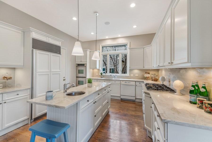 Real Estate Photography - 515 Greenleaf Avenue, Glencoe, IL, 60022 - Kitchen