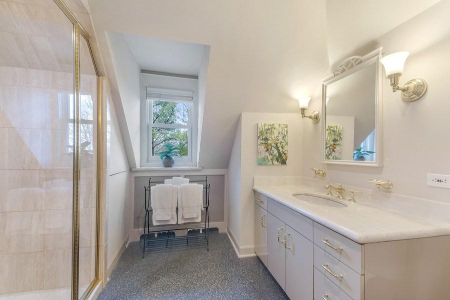 Real Estate Photography - 515 Greenleaf Avenue, Glencoe, IL, 60022 - 2nd Bathroom