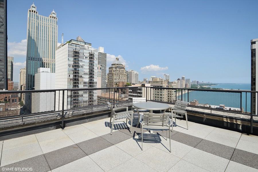 Real Estate Photography - 253 E. Delaware Place, Unit 8H, Chicago, IL, 60611 - Northwest View of Rooftop Sundeck & Oak Beach
