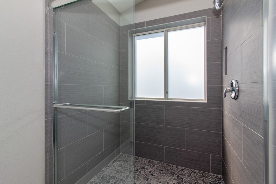 Real Estate Photography - 2860 Conifer Court, Aurora, IL, 60502 - Master Bathroom