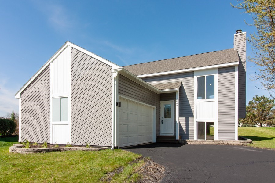 Real Estate Photography - 2860 Conifer Court, Aurora, IL, 60502 - Front View