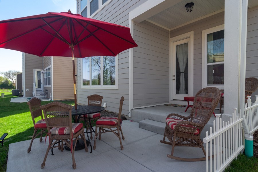 Real Estate Photography - 1432 Somerset Place, Barrington, IL, 60010 - Patio