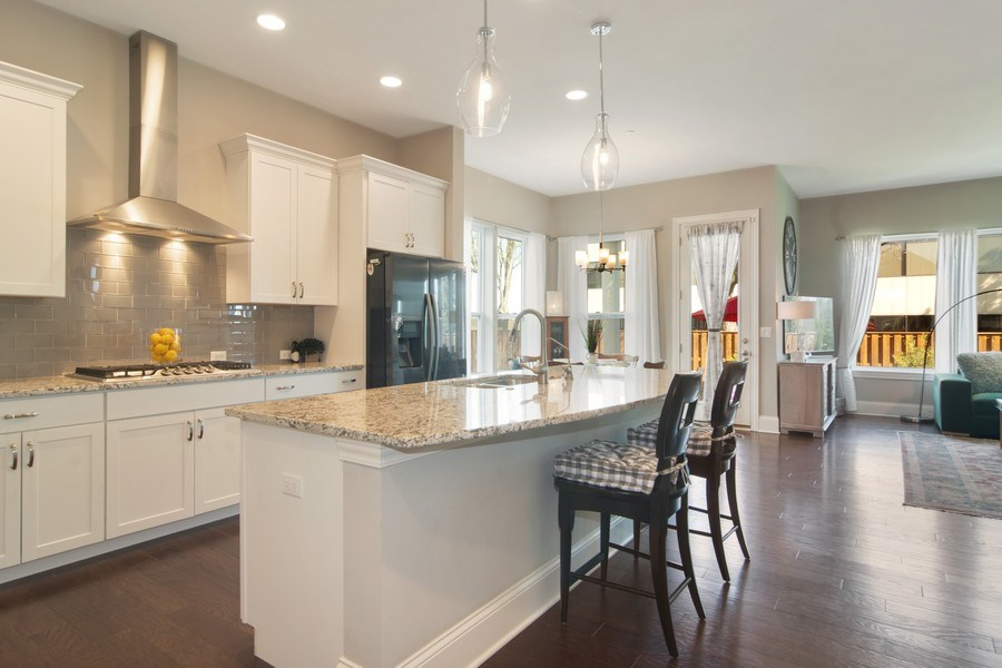 Real Estate Photography - 1432 Somerset Place, Barrington, IL, 60010 - Kitchen