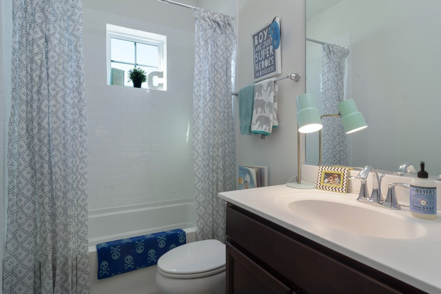 Real Estate Photography - 1432 Somerset Place, Barrington, IL, 60010 - 2nd Bathroom