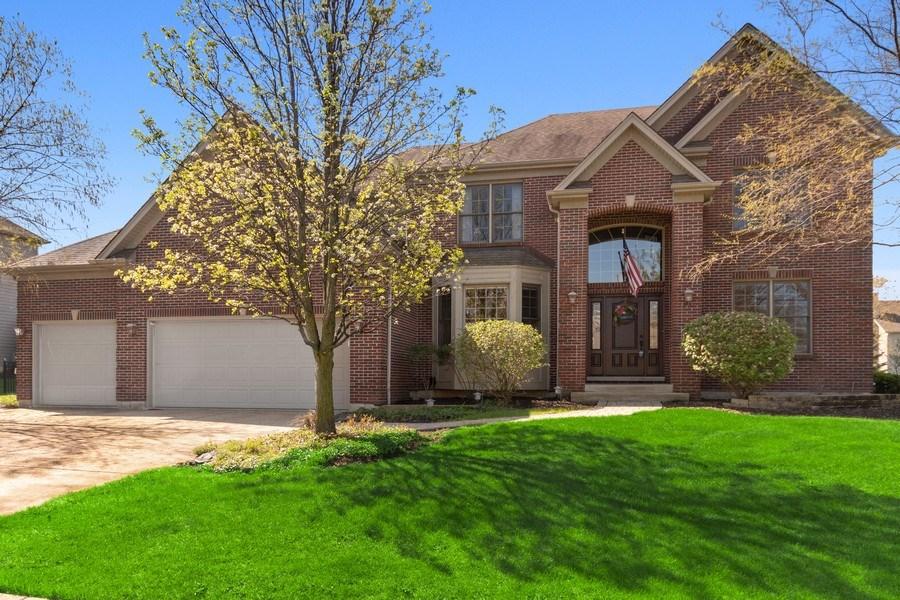 Real Estate Photography - 630 Ekman Drive, Batavia, IL, 60510 - Front View