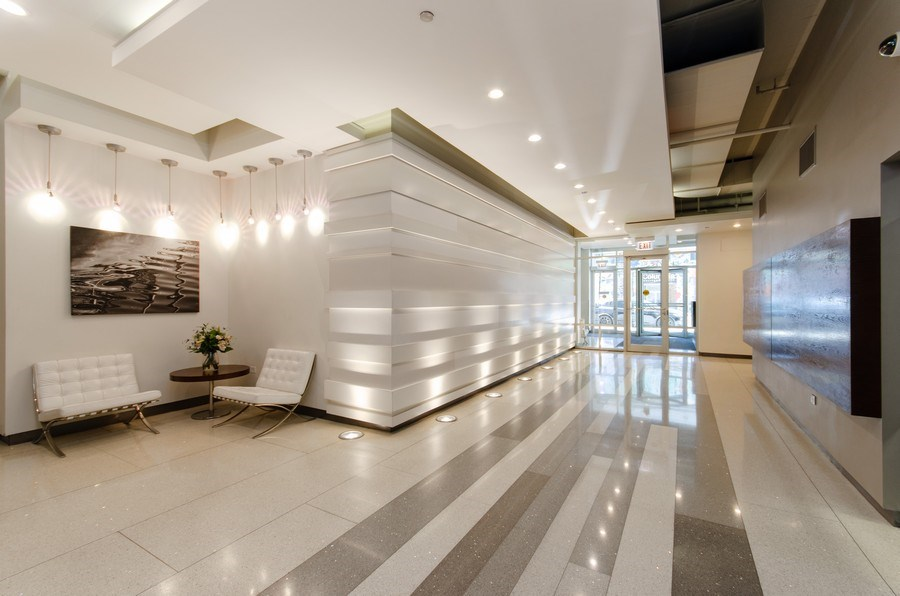 Real Estate Photography - 1305 S. Michigan Avenue, Unit 2002, Chicago, IL, 60605 - Lobby to twin elevators