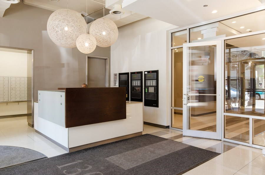 Real Estate Photography - 1305 S. Michigan Avenue, Unit 2002, Chicago, IL, 60605 - Entry Lobby