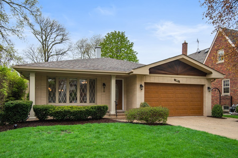 Real Estate Photography - 112 Wisner Street, Park Ridge, IL, 60068 - Front View
