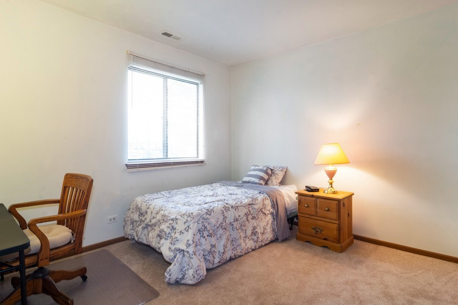 Real Estate Photography - 318 E. Forest Knoll Drive, Palatine, IL, 60074 - 2nd Bedroom