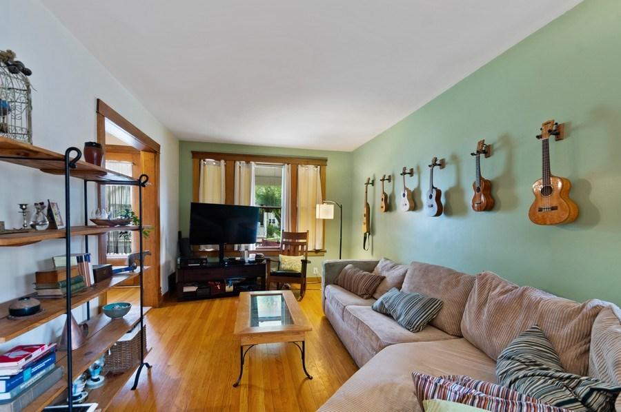 Real Estate Photography - 839 S. Taylor Avenue, Oak Park, IL, 60304 - Living Room