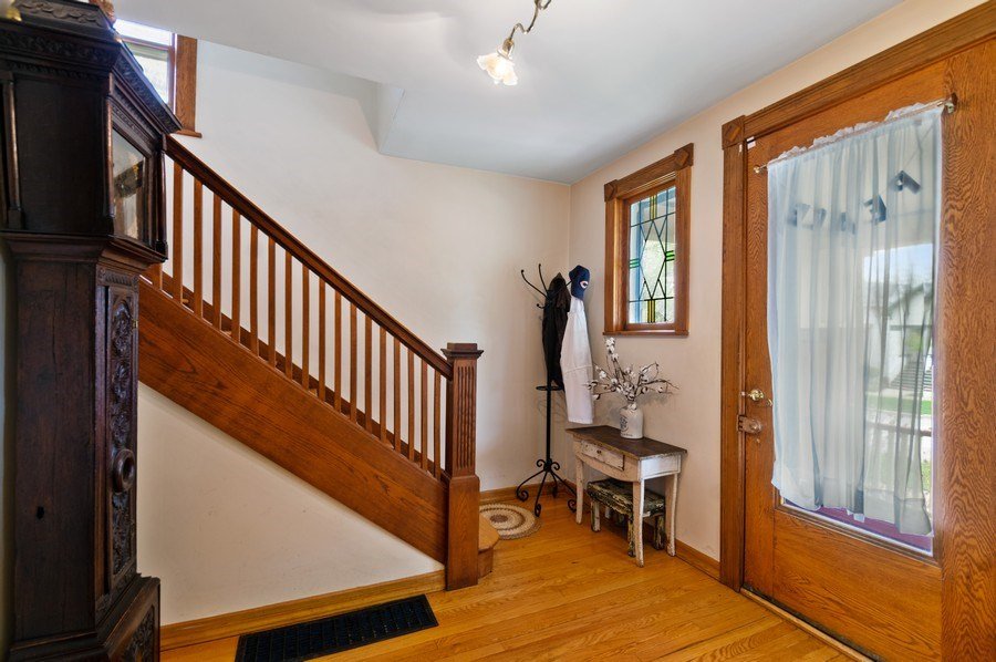 Real Estate Photography - 839 S. Taylor Avenue, Oak Park, IL, 60304 - Foyer
