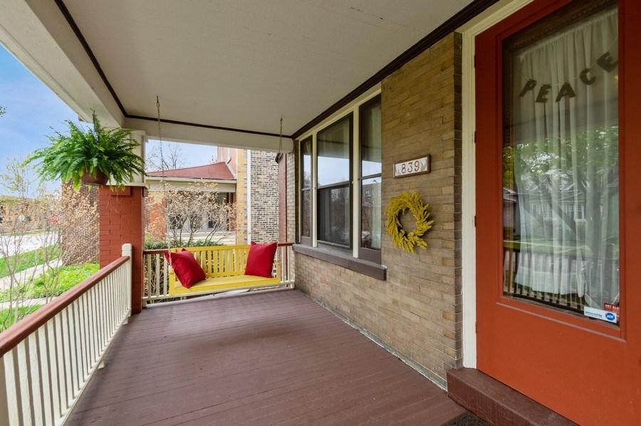 Real Estate Photography - 839 S. Taylor Avenue, Oak Park, IL, 60304 - Porch