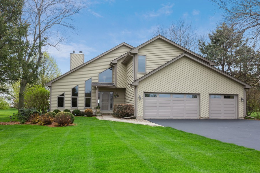 Real Estate Photography - 37W261 Heritage Drive, Batavia, IL, 60510 - Front View