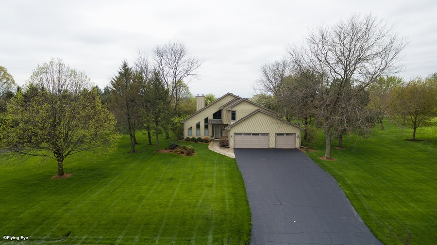Real Estate Photography - 37W261 Heritage Drive, Batavia, IL, 60510 -
