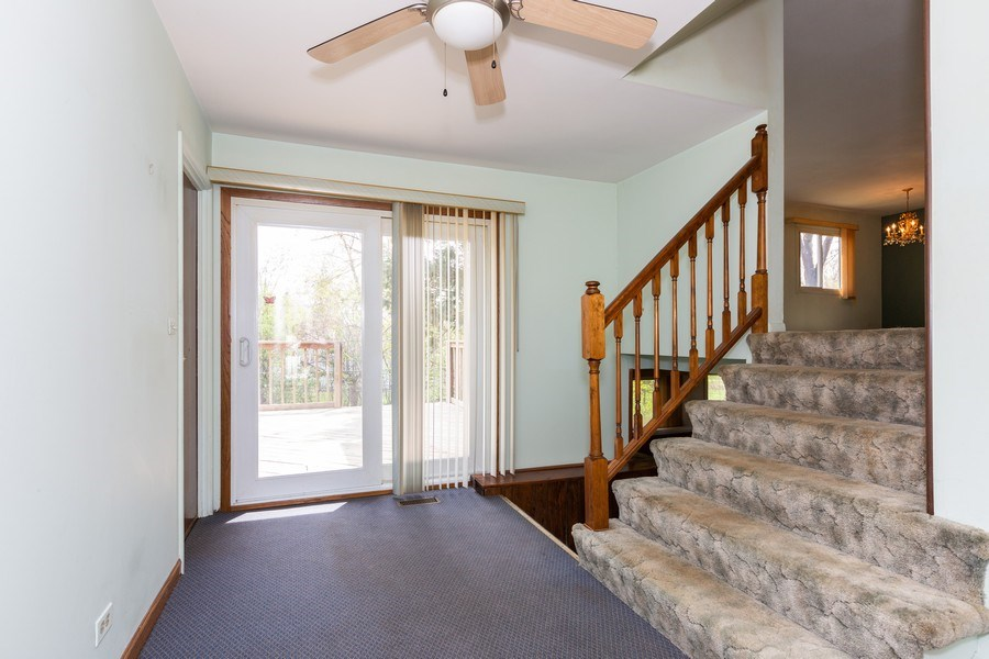 Real Estate Photography - 6 Charlotte Court, Bolingbrook, IL, 60440 - Entryway