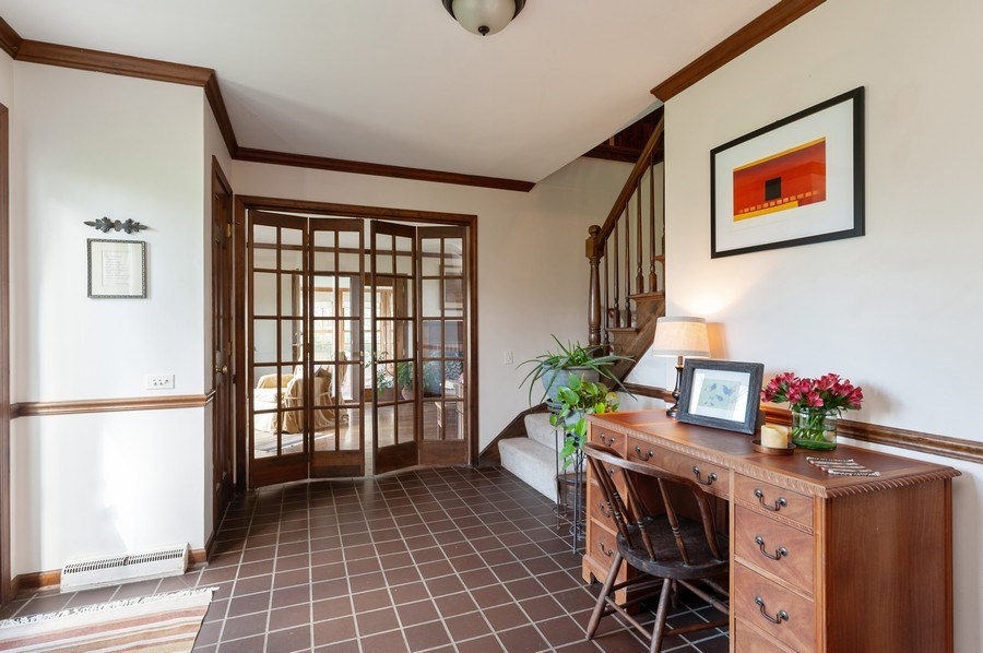 Real Estate Photography - 223 Deepwood Court, Barrington Hills, IL, 60010 - Foyer