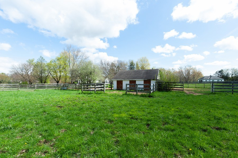 Real Estate Photography - 223 Deepwood Court, Barrington Hills, IL, 60010 - Barn