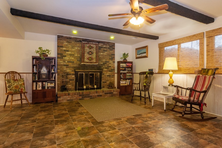 Real Estate Photography - 806 Hamlet Street, Batavia, IL, 60510 - Family Room
