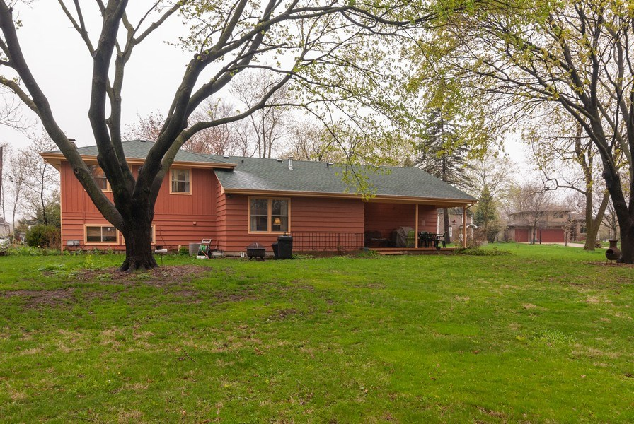 Real Estate Photography - 806 Hamlet Street, Batavia, IL, 60510 - Rear View