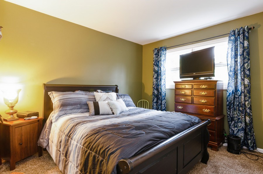 Real Estate Photography - 105 WOODCREST Circle, Streamwood, IL, 60107 - Master Bedroom