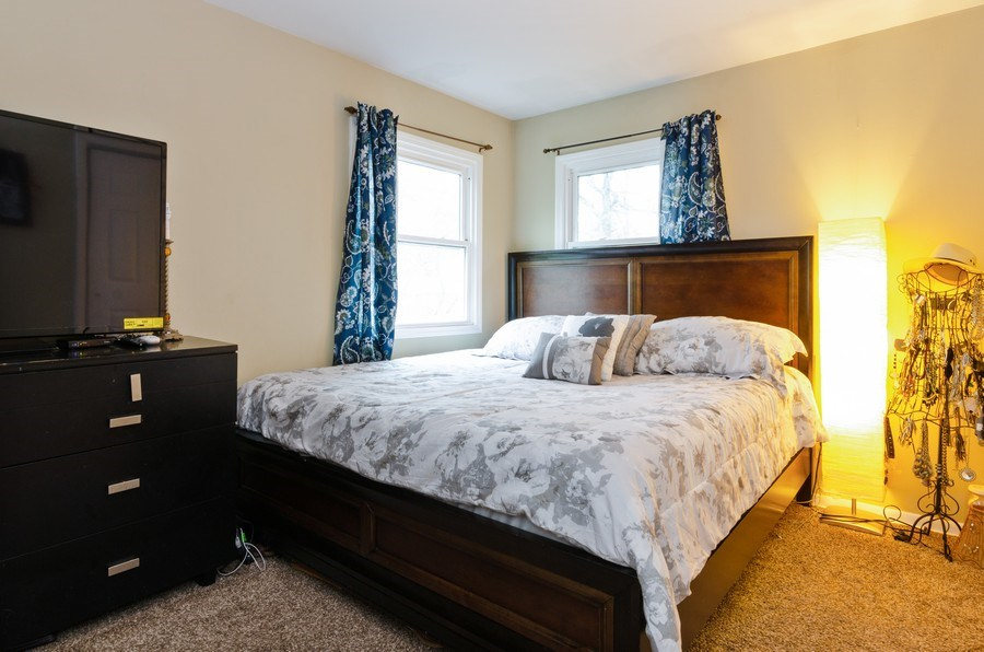 Real Estate Photography - 105 WOODCREST Circle, Streamwood, IL, 60107 - 3rd Bedroom