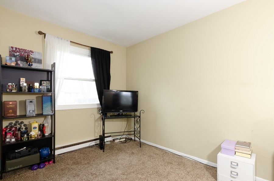 Real Estate Photography - 105 WOODCREST Circle, Streamwood, IL, 60107 - 5th Bedroom