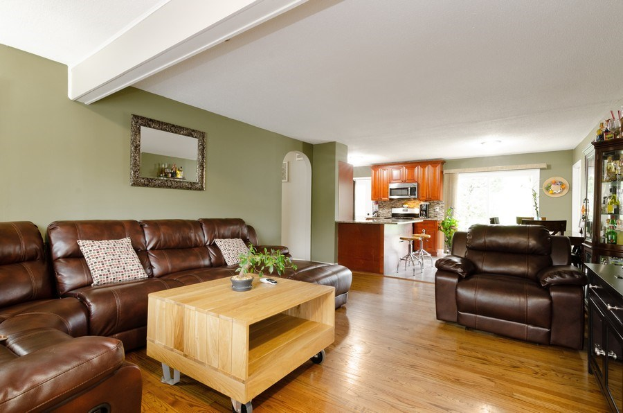 Real Estate Photography - 105 WOODCREST Circle, Streamwood, IL, 60107 - Living Room