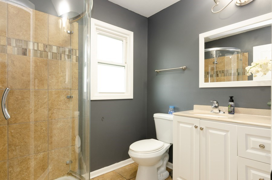 Real Estate Photography - 105 WOODCREST Circle, Streamwood, IL, 60107 - 2nd Bathroom