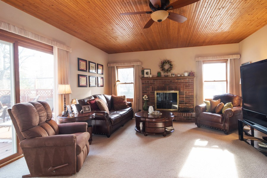 Real Estate Photography - 465 Thistle Lane, Lake Zurich, IL, 60047 - Family Room