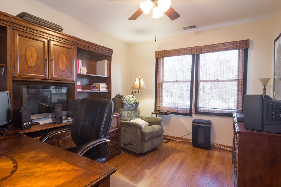 Real Estate Photography - 465 Thistle Lane, Lake Zurich, IL, 60047 - Office