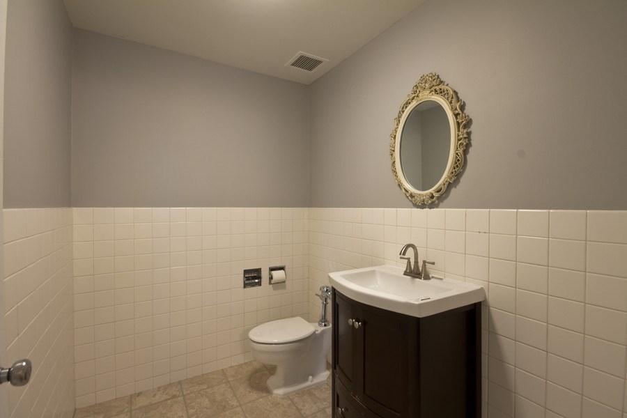 Real Estate Photography - 4250 N Marine, 229B, Chicago, IL, 60613 - Master Bathroom