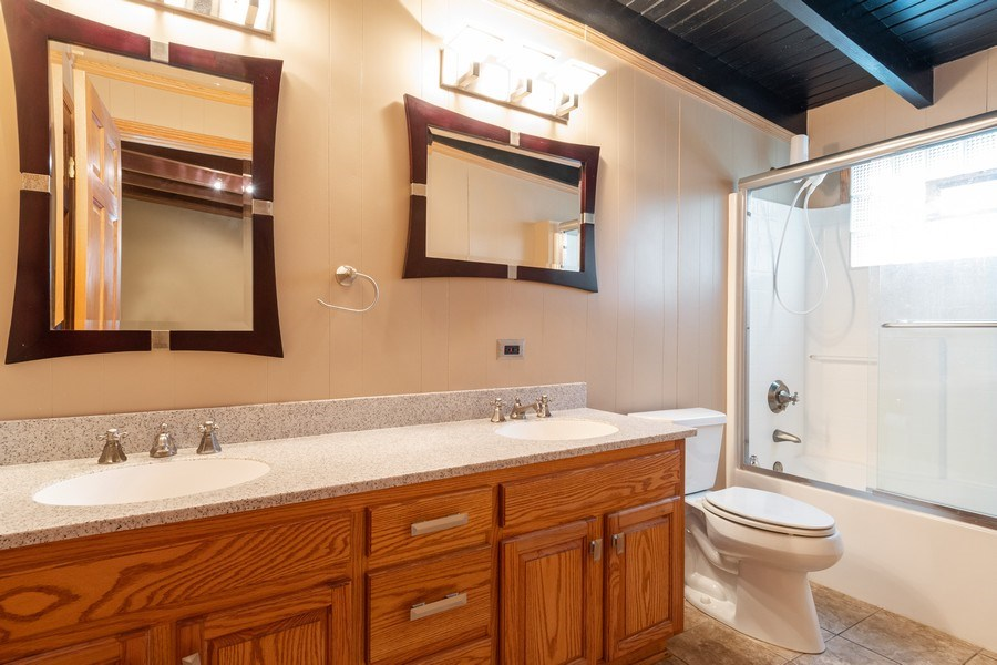 Real Estate Photography - 32W526 Forest Drive, Aurora, IL, 60502 - Master Bathroom