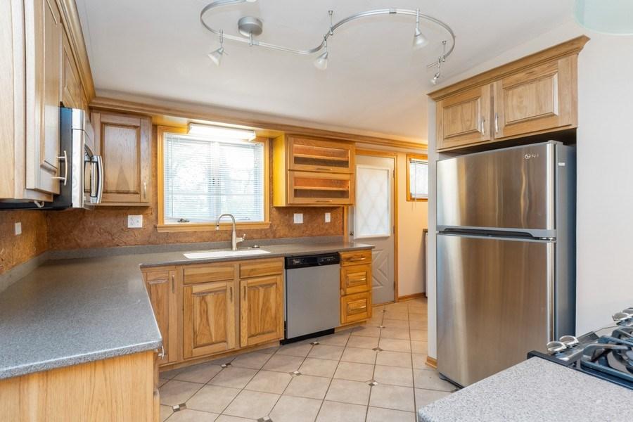 Real Estate Photography - 32W526 Forest Drive, Aurora, IL, 60502 - Kitchen