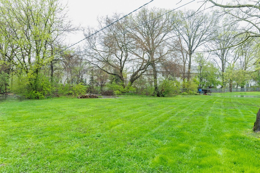 Real Estate Photography - 32W526 Forest Drive, Aurora, IL, 60502 - Back Yard