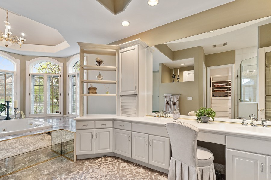 Real Estate Photography - 29040 N. Spoon Court, Mundelein, IL, 60060 - Master Bathroom