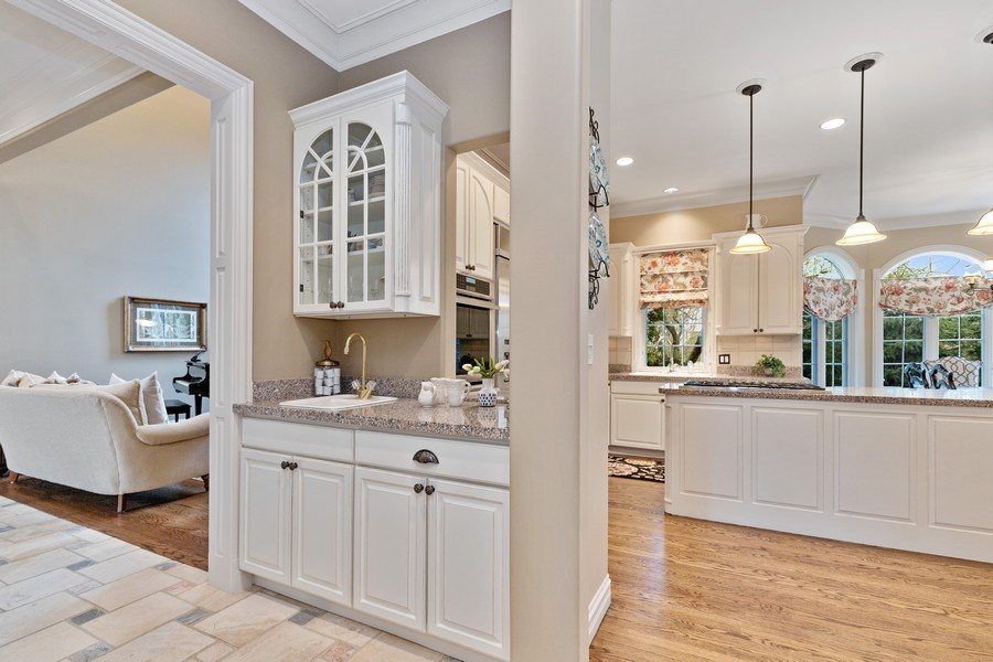 Real Estate Photography - 29040 N. Spoon Court, Mundelein, IL, 60060 - Butler's pantry