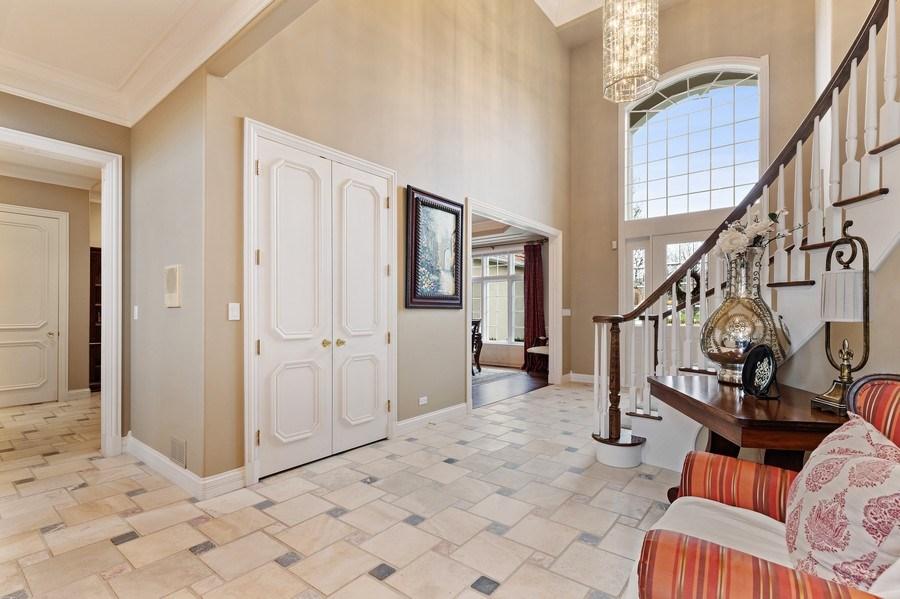 Real Estate Photography - 29040 N. Spoon Court, Mundelein, IL, 60060 - Foyer