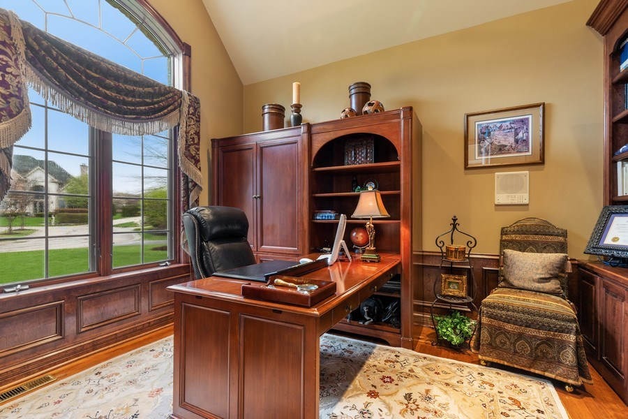 Real Estate Photography - 29040 N. Spoon Court, Mundelein, IL, 60060 - Office