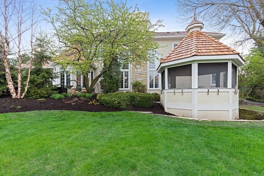 Real Estate Photography - 29040 N. Spoon Court, Mundelein, IL, 60060 - Rear View