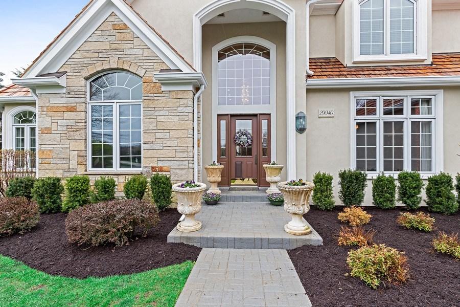 Real Estate Photography - 29040 N. Spoon Court, Mundelein, IL, 60060 - Porch