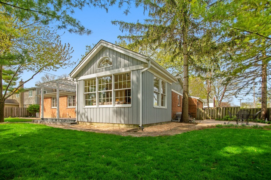 Real Estate Photography - 131 N. Gibbons Avenue, Arlington Heights, IL, 60004 - Back Yard