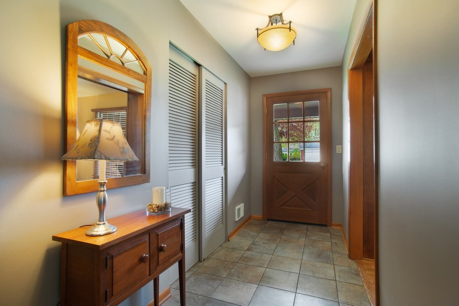 Real Estate Photography - 131 N. Gibbons Avenue, Arlington Heights, IL, 60004 - Foyer