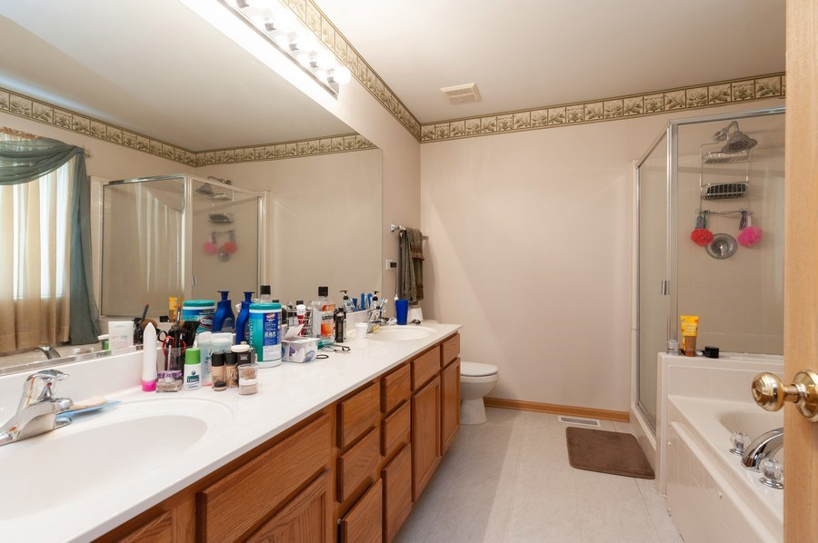 Real Estate Photography - 1200 Jerome Court, Antioch, IL, 60002 - Master Bathroom