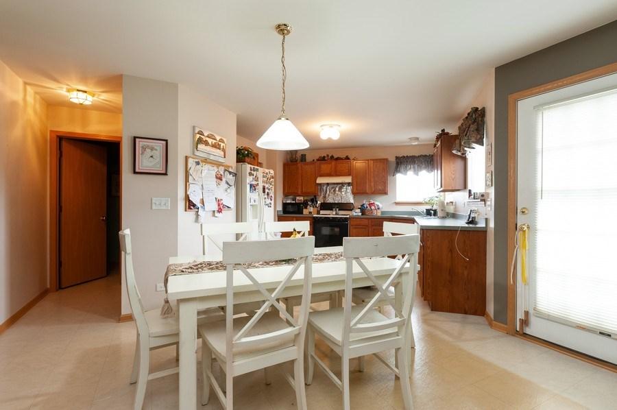 Real Estate Photography - 1200 Jerome Court, Antioch, IL, 60002 - Kitchen / Breakfast Room