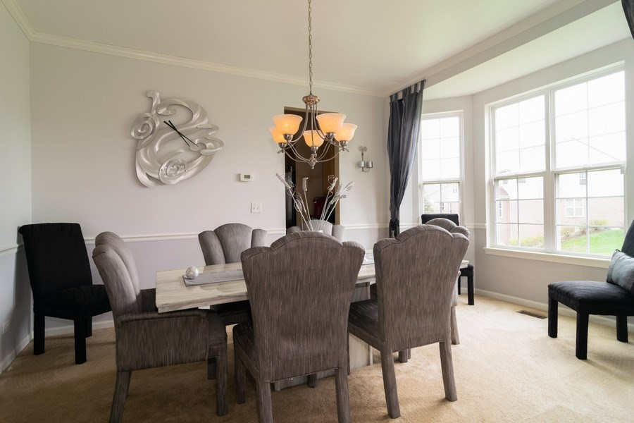 Real Estate Photography - 850 Forest Glen Court, Bartlett, IL, 60103 - Dining Room